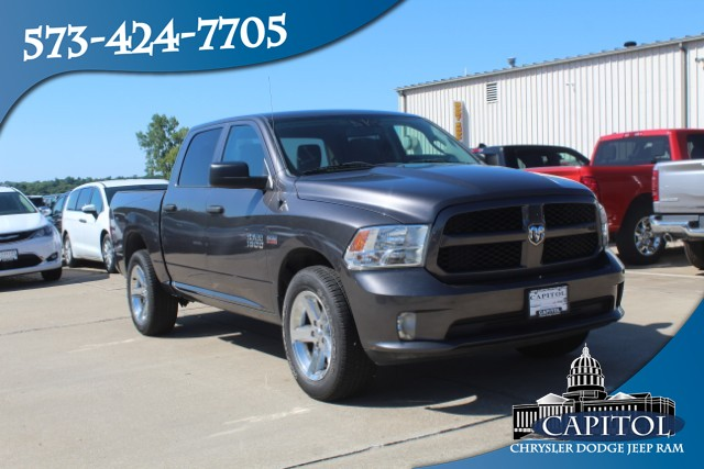 Pre-Owned 2016 Ram 1500 4WD Express Crew Cab