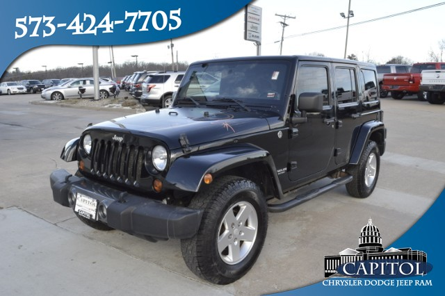 Pre-Owned 2011 Jeep Wrangler Unlimited Mojave
